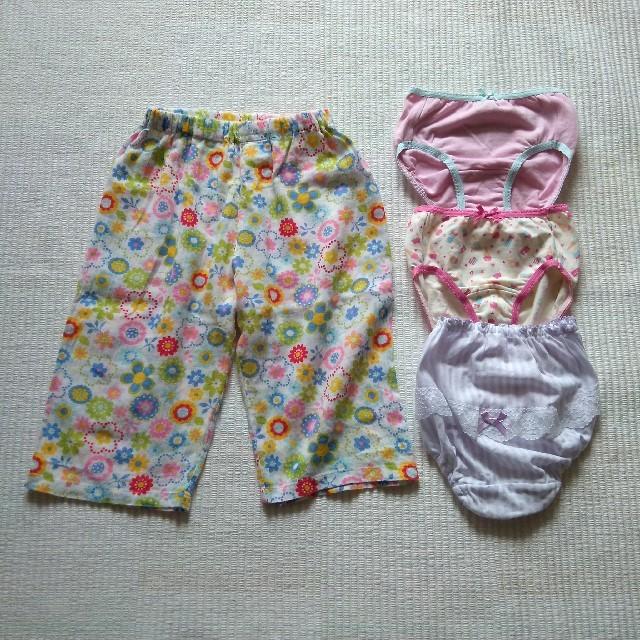 GU(ジーユー)のGU・レース&リボン ショーツ3枚 薄手パンツ 100~110 セット キッズ/ベビー/マタニティのキッズ服女の子用(90cm~)(下着)の商品写真