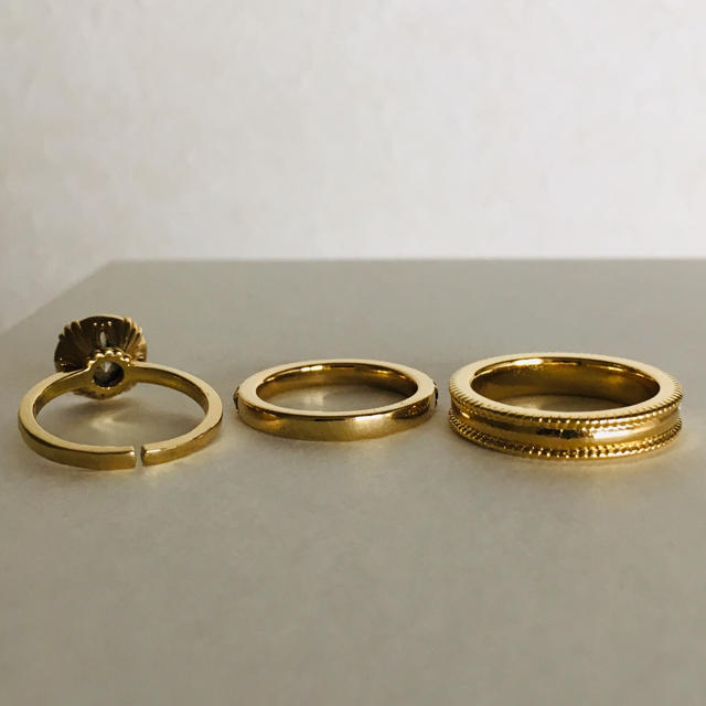 SWAROVSKI(スワロフスキー)のスワロフスキー リング 指輪 ゴールド レディースのアクセサリー(リング(指輪))の商品写真