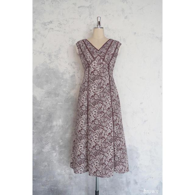 snidel(スナイデル)のHer lip to Lace Trimmed Floral Dress レディースのワンピース(ロングワンピース/マキシワンピース)の商品写真