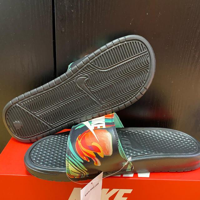 NIKE(ナイキ)のナイキベナッシ JDI プリント ボタニカル柄 26cm レディースの靴/シューズ(サンダル)の商品写真