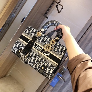 Christian Dior - 高品質ショルダーバッグ
