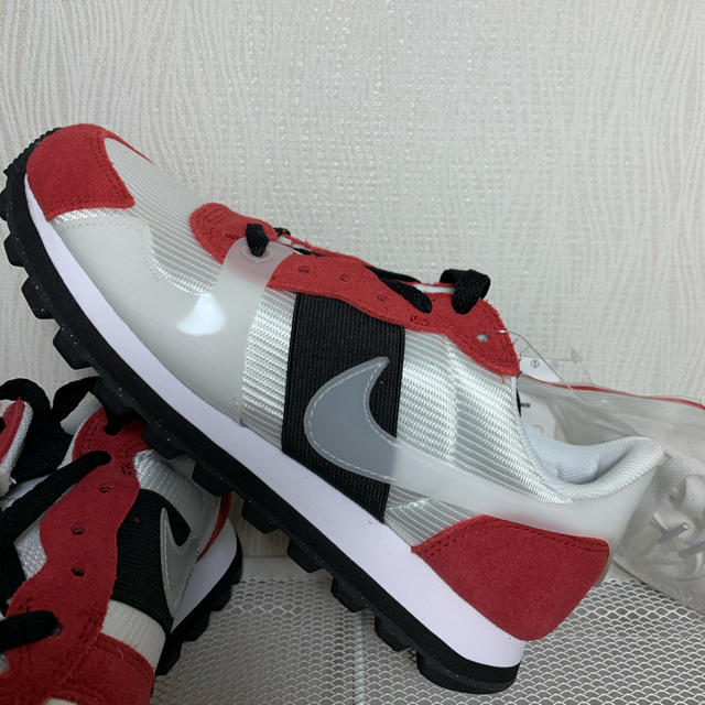 NIKE(ナイキ)の新品 ナイキ スニーカー V  LOVE  O.X.     23センチ レディースの靴/シューズ(スニーカー)の商品写真