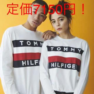 トミーヒルフィガー(TOMMY HILFIGER)の新品 TOMMY HILFIGER のロングTシャツ 白(Tシャツ/カットソー(七分/長袖))