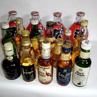古酒ミニボトルまとめて19本セット スコッチ、バーボン等 特級/1級/2級