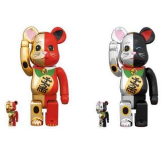 メディコムトイ(MEDICOM TOY)のBE@RBRICK 招き猫 金×赤・銀×黒  100% & 400% 4体セット(その他)