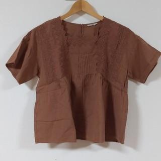サマンサモスモス(SM2)のブラウス*刺繍(シャツ/ブラウス(半袖/袖なし))