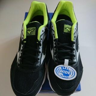 ミズノ(MIZUNO)の新品 ミズノ 黒 黄 運動靴 27cm ランニングシューズ スニーカー  (スニーカー)