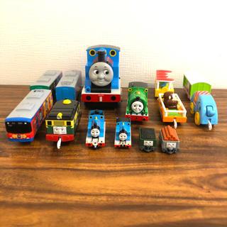 トミー(TOMMY)の【プラレール】パーシーと動物園貨車セットなど(電車のおもちゃ/車)