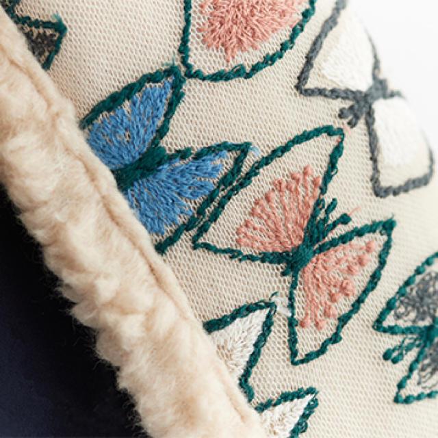 mina perhonen(ミナペルホネン)のミナペルホネン ボア マフラー レディースのファッション小物(マフラー/ショール)の商品写真