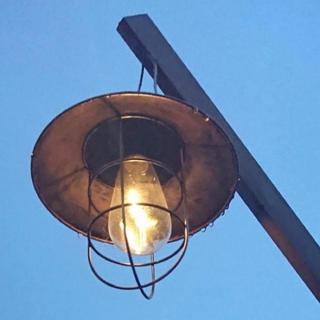 Coleman - 【充電要らず】ソーラー充電式 防水 自動点灯 ランタン テントランタン