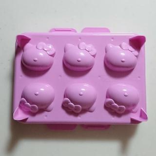 ハローキティ(ハローキティ)のハローキティ 製氷器 製氷皿(調理道具/製菓道具)
