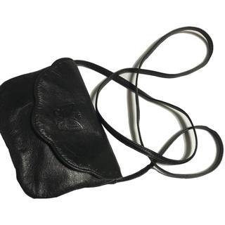 ハナエモリ(HANAE MORI)のバタフライ刻印‼️ ハナエモリレザーショルダーバック(ショルダーバッグ)