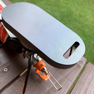 シンフジパートナー(新富士バーナー)のシングルバーナー 用 極厚鉄板 12ミリ ダイソーメスティン(ストーブ/コンロ)