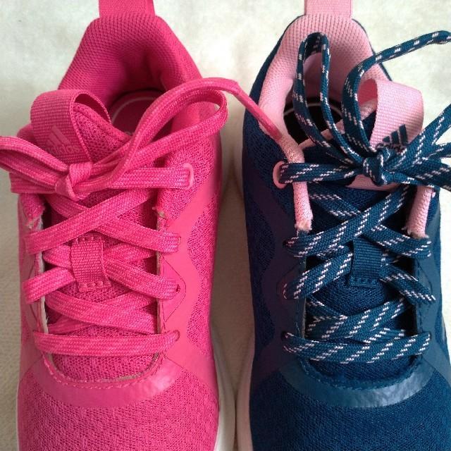 adidas(アディダス)の【さかみ様専用】adidas キッズ スニーカー 19cm  2足セット キッズ/ベビー/マタニティのキッズ靴/シューズ(15cm~)(スニーカー)の商品写真