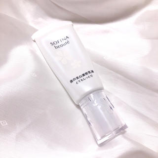 ソフィーナ(SOFINA)のSOFINA beaute*美白濃密乳液 とてもしっとり 夜用 ミルク(乳液/ミルク)