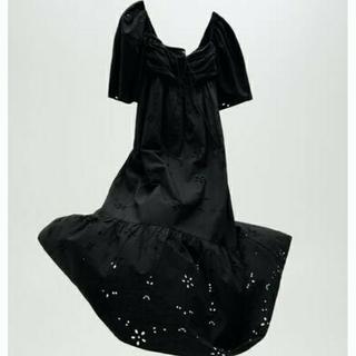 ZARA - 新品 M ZARA 刺繍入りワンピース ブラック 黒ブラック ザラ