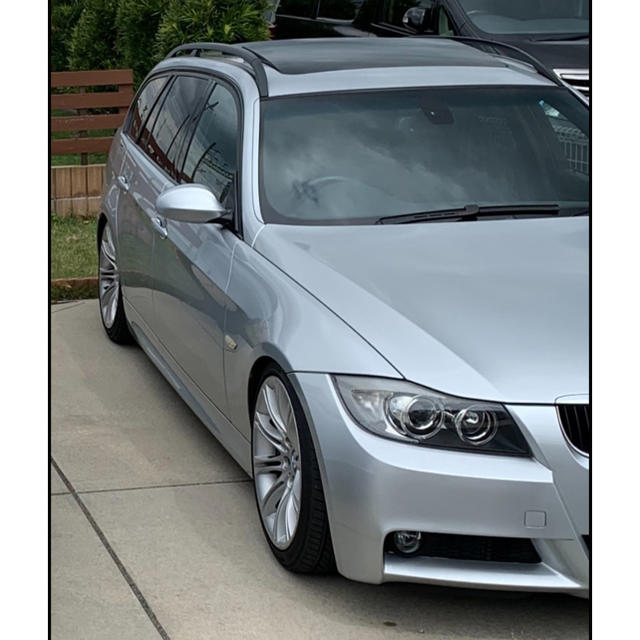 BMW(ビーエムダブリュー)のBMW Mスポ 出品今年まで320i ツーリングe91 走行5万 車検R4.7ま 自動車/バイクの自動車(車体)の商品写真