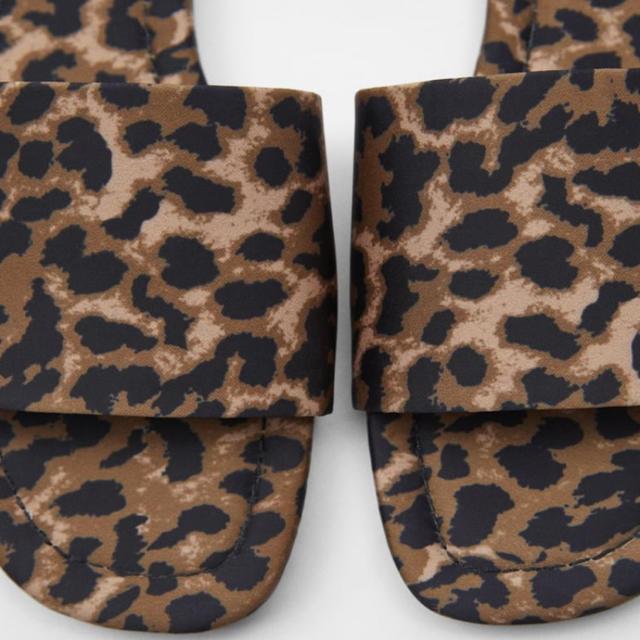 ZARA(ザラ)のZARA サンダル サイズ 37 レディースの靴/シューズ(サンダル)の商品写真