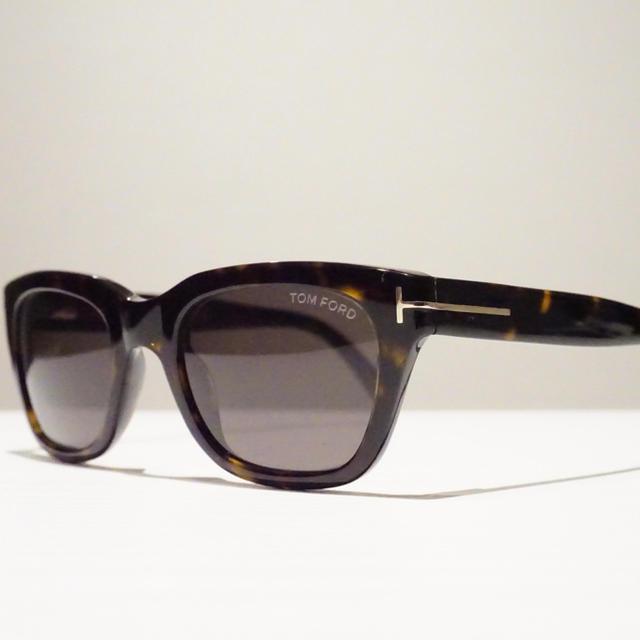 TOM FORD(トムフォード)のセール!【新品】TOM FORD トムフォード サングラス TF237 52N メンズのファッション小物(サングラス/メガネ)の商品写真