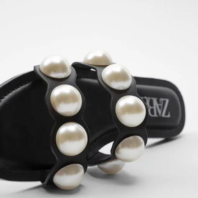 ZARA(ザラ)のZARA パールサンダル レディースの靴/シューズ(サンダル)の商品写真