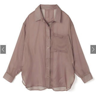 グレイル(GRL)のGRL グレイル バックスリットシアーシャツ モカ ydm185(シャツ/ブラウス(長袖/七分))