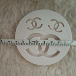 丸型シリコンモールド 白  レジンパーツ作り ハンドメイドアクセサリー(型紙/パターン)