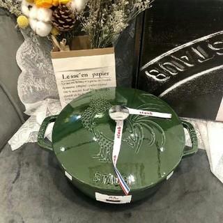 ルクルーゼ(LE CREUSET)の鋳鉄STAUBエナメル鍋 24cm(食器)