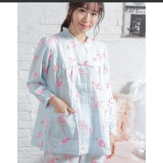 ナルエー(narue)の【新品・未使用】ローズ柄ブルー色 NARUEパジャマ(パジャマ)