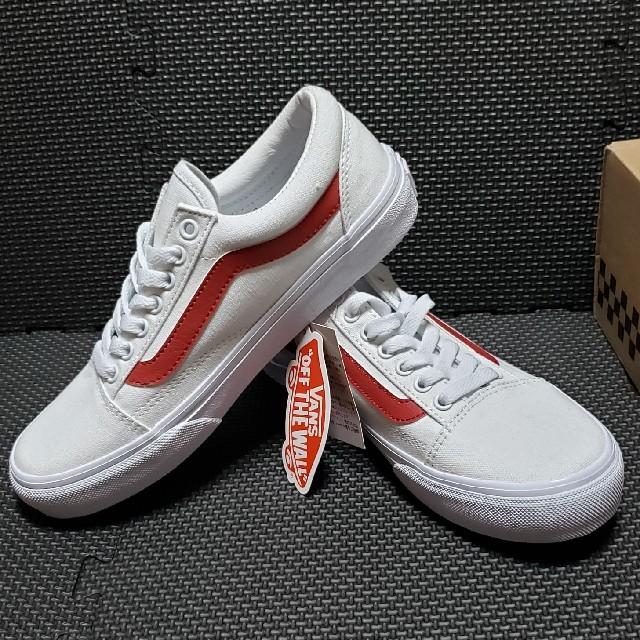 VANS(ヴァンズ)のVANS オールドスクール 新品タグ付き レディースの靴/シューズ(スニーカー)の商品写真