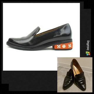 トーガ(TOGA)のTOGA PULLA メタルハラコヒールレザーローファー(ローファー/革靴)