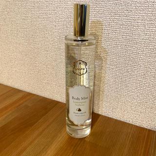ラリン(Laline)のほぼ新品 Laline ボディミスト レモングラスバーベナ 100ml(ボディオイル)
