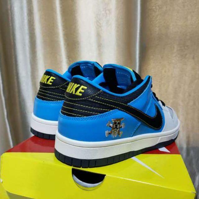 NIKE(ナイキ)のInstant Nike Dunk SB Low Pro CZ5128-400 メンズの靴/シューズ(スニーカー)の商品写真