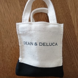 ディーンアンドデルーカ(DEAN & DELUCA)のディーン&デルーカ  ミニミニトート 新品未使用(小物入れ)