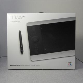 ワコム(Wacom)のIntuos Pro Special Edition PTH-651/S1(PC周辺機器)
