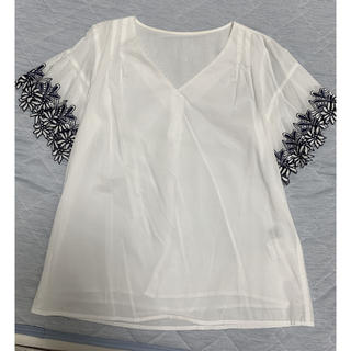 JUSGLITTY - ジャスグリッティーの袖刺繍ブラウス