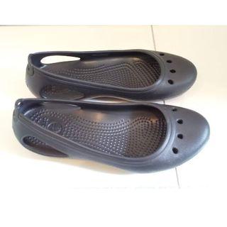 crocs - crocs サンダル Kadee Flat(ほぼ未使用品) クロックス