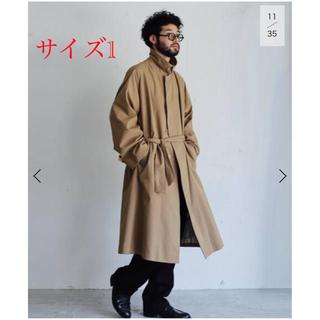 コモリ(COMOLI)の新品未使用【LE / エルイー】C/P ギャバ バルカラーコートベージュ(ステンカラーコート)