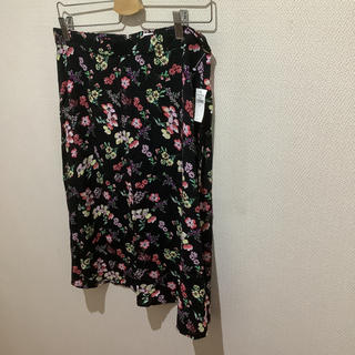 ギャップ(GAP)のGAP 花柄スカート サイズM 黒 フラワープリント ギャップ(ひざ丈スカート)