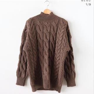 コモリ(COMOLI)のLENO BIG CABLE SWEATER(ニット/セーター)