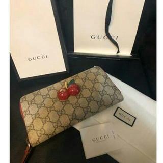 Gucci - GUCCI 長財布 さくらんぼ