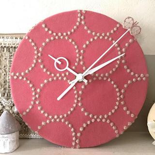 ミナペルホネン(mina perhonen)のsold ミナペルホネン 掛け時計 dop タンバリン ピンク(インテリア雑貨)