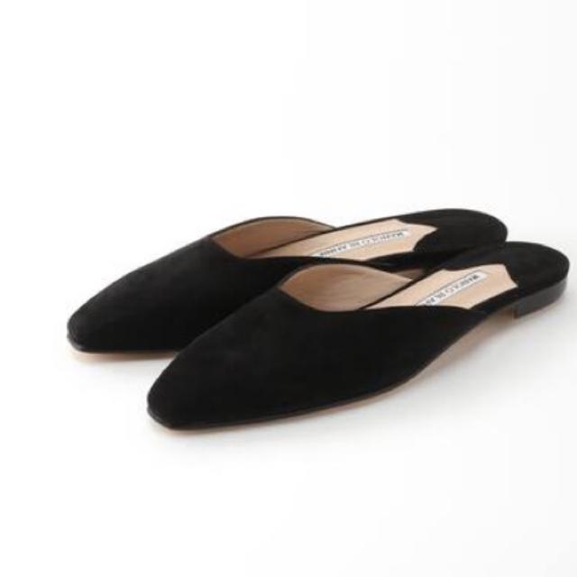 MANOLO BLAHNIK(マノロブラニク)のMANOLO BLAHNIK  TAZA スエードミュール 36 レディースの靴/シューズ(ミュール)の商品写真