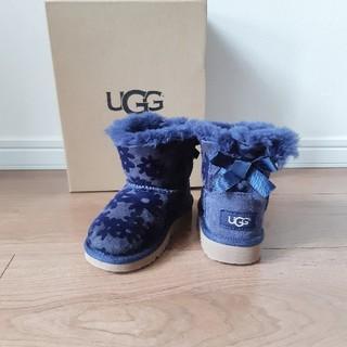 アグ(UGG)の[未使用] UGG  花柄 リボン ムートンブーツ 15.0(ブーツ)
