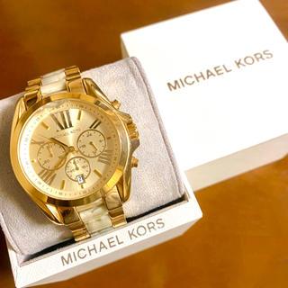 マイケルコース(Michael Kors)の【大特価!!】マイケルコース 英字クロノグラフ腕時計 ゴールド×大理石調 秋🎀(腕時計)