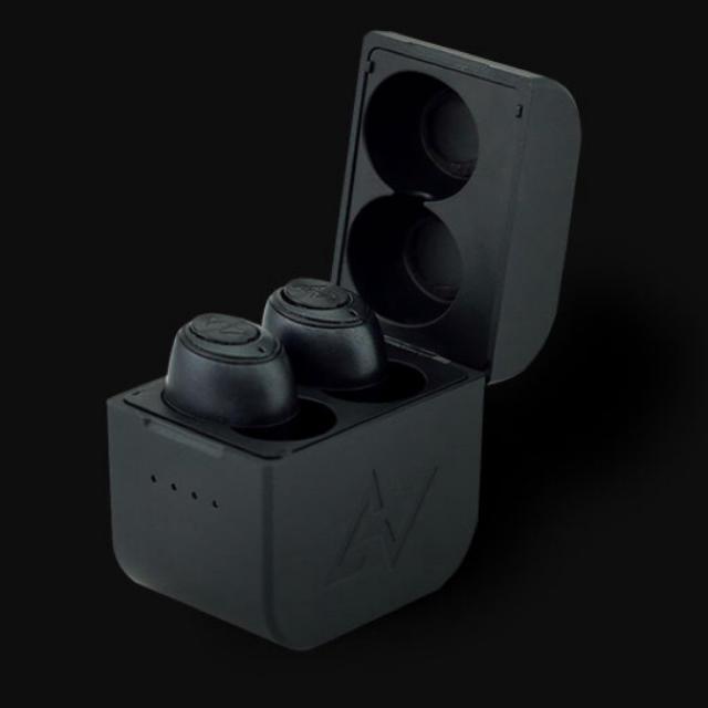 Avoid(アヴォイド)のAVIOT  TE-D01gv-na N/Aコラボモデル 錦戸 赤西 コラボ スマホ/家電/カメラのオーディオ機器(ヘッドフォン/イヤフォン)の商品写真