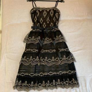 ビーシービージーマックスアズリア(BCBGMAXAZRIA)のBCBGMAXAZRIA ドレス(ミディアムドレス)