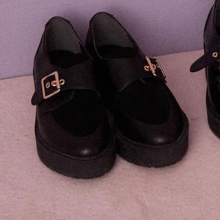 ヘザー(heather)のHeather バックルマニッシュ 靴 ローファー(ローファー/革靴)