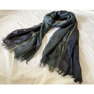 トゥモローランド(TOMORROWLAND)のARIANNA アリアンナ ライン シルクストール 緑 黄 紺 170×50 (ストール/パシュミナ)