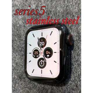 アップルウォッチ(Apple Watch)のApple Watch series5 / classic buckle(腕時計(デジタル))