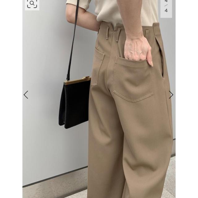 L'Appartement DEUXIEME CLASSE(アパルトモンドゥーズィエムクラス)のAP STUDIO ギャバジンパンツ レディースのパンツ(カジュアルパンツ)の商品写真